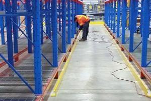 warehouse racking installer
